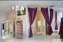 "Design Interior – Salon Rochii Mireasa Bella Sposa / ""The perfect day with the perfect dress!"" Doar gandul la nunta te face sa ai emotii. Emotii de fericire, de apropierea celei mai importante zi din viata, emotii de cum va arata rochia de mireasa etc.  Luand in consideratie ca atmosfera in care iti vei proba rochia trebuie sa fie una eleganta si unica am propus pentru acest spatiu o amenajare exclusiva si romantica, dar in acelasi timp confortabila si intima."