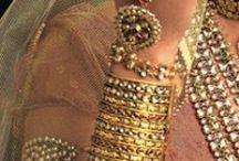 wear-jewelry