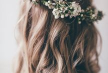 Flower Crowns / We love the versatility of Flower Crowns, and how delightful they are. This board is full to the brim of DIYs, styling tips and beautiful photography.