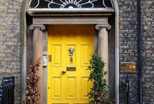 Beautiful Doors / We love a good door, so here is some awesome inspiration for beautiful doors.