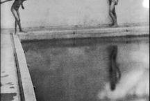 Edward Weston 1886-1958 / Photographe américain. Né à Highland Park (Illinois) - mort à Big Sur (Californie) à 71 ans. Cofondateur du groupe f/64, haut lieu de la « photographie pure », en réponse au pictorialisme. La majeure partie de son travail a été effectuée en utilisant une chambre photographique de 8×10 pouces. Eu pour maîtresse Tina Modotti. Wiki