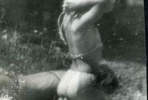 """Miroslav Tichy 1926-2011 / Photographe tchèque. Né à Nětčice, en Moravie - mort à Kyjov à 84 ans. D'abord peintre, il passe à la photographie dans les années 1970. """"Avec la photographie, j'ai trouvé quelque chose de nouveau, un nouveau monde."""" « j'avais une norme, tant de clichés par jour, tant tous les cinq ans. Et quand j'ai eu rempli mon plan, j'ai arrêté. » Il arrête ainsi de créer au début des années 1990. Il est découvert à la fin des années 90. Wiki"""