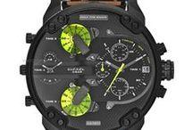 Diesel - Brawat.cz / Od roku 2000 se společnost rozrostla o modní doplňky jako jsou hodinky ve spolupráci s Fossil Group