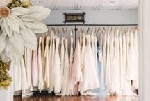 Find the perfect wedding dress / Scénario Idéal gives you tips on finding the dress of your dreams! www.scenarioideal.com //  http://scenarioideal.com/conseils-dexpert/trouver-la-robe-de-ses-reves/ #weddingdress #Weddinggown #wedding #shopping #silhouette #whitewedding