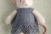 Knitting little sweeties