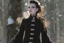 Gothic clothing & accessories (women)
