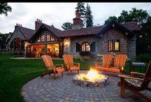 Házak, teraszok, tornácok