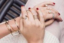 a c c e s s o r y / How to wear: rings, necklace, bags Trend Alerts