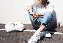 Jeans Outfits / シンプルにも重ね着にもOKの秋・冬のコーディネートの強い味方、スキニーデニム♪   (カジュアル コーデ)