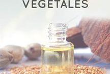 Huiles végétales / Les huiles végétales et macérâts huileux offrent de merveilleuses propriétés pour la santé, la peau et les cheveux. Riches en acides gras, antioxydants et vitamines, les huiles végétales s'utilisent seuls ou en mélange dans des soins d'aromathérapie ou de phytothérapie. Une huile certifiée biologique offre la garantie d'une huile 100% pure et naturelle, sans aucun traitement chimique.