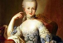 Marie Antoinette / Portraits and everything about this fashion icon.