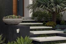 Casa: Entrada principal - Main entrance of the house