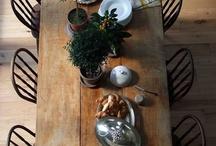 Showpiece table