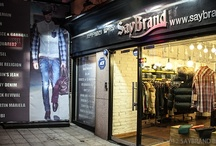 Apgujeong Main Store / 직접 방문하여 원하시는 상품을 실제로 입어볼 수 있는 세이브랜드 오프라인 매장 정보입니다.