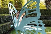 Gardens / Garden ideas, planting ideas, bedding plants, patio ideas and paving, small garden design, large garden design.
