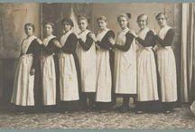 Aprons 1650-1950 / Keukenschort, huishoudschort, jasschort, sloof, voorschoot, boezelaar