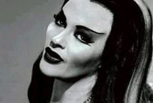 ▴Lily Munster▾