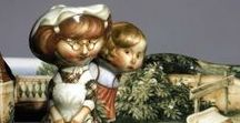 Porcelain, figurines / Московский художник Андрей Черкасов последние 20 лет посвятил фарфору, постепенно переходя от декоративной манеры гжельской кобальтовой росписи к собственной – гротескно-реалистической технике. Талант и фантазия, помноженные на опыт и усердие, дали удивительный результат.