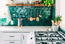 Gorgeous kitchens / The most beautiful kitchens out there - taking inspiration for my own thrifty kitchen makeover!