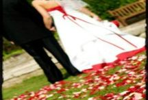 The Rose Petal Guide / Quantity suggestions for rose petals for your wedding, includes flower girl baskets, aisle runners, petal tossing.