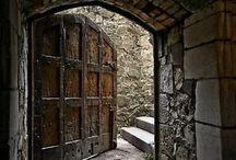 Porte,portoni,cancelli / Legno,ferro,metalli vari