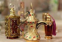 Bottiglie di profumo / Preziosi contenitori di inebrianti fragranze.....