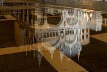 Venezia under the level / foto di Venezia accomunate del tendente o caratterizzante colore giallo...