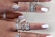 Ultimate Nails / Colours and Patterns