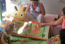 Laboratori per bambini / TOCCARE PER APPRENDERE è un progetto che prevede l'uso di libri tattili e oggetti tutti di stoffa come strumento per  proporre al bambino una prima conoscenza del libro come oggetto piacevole da toccare, annusare, mordere, conoscere con i sensi.