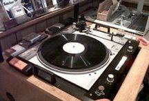Audio Restoration / Restauration de documents sonores - Transfert de vinyles et cassettes sur CD