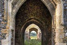 Arches, Doors &  Windows / by Bunny Burritt