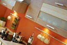 KAM - Kamduo / Kamduo to model mebli kuchenny firmy KAM do indywidualnego montażu. Meble kuchenne na każdą kieszeń. Idealne rozwiązanie do mieszkań z małymi kuchniami lub mieszkań na wynajem. Meble dostępne są w kilku wariantach kolorystycznych.