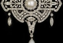 Jewellery I like / My passion is jewellery from the Art Deco period and classical pieces from all periods.