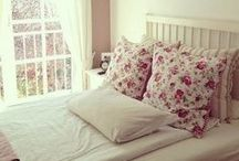 Houses : Bedroom.