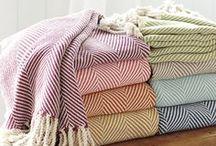 Heimtextilien ♦ Home textiles / Wohntextilien ♦ Heimtextilien ♦ Vorhänge ♦ Teppiche ♦ Kissen