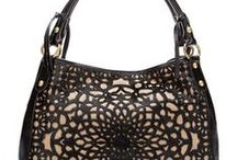 Handbag Addict / by Hannah Ramirez