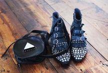 shoes / Bien dans ses pompes, bien dans sa tête