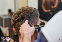 Curs frizerie CosmoPro Center / Imagini din cadrul cursurilor de frizerie ale scolii CosmoPro Center.