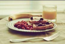 Le petit-déjeuner vu par La Bonne Box / Qu'il soit français ou américain, vitaminé ou léger, le petit-déjeuner est le repas le plus important de la journée.   www.labonnebox.com