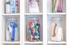 Craft Room Organization Storage Solutions & Ideas / How to make a functional craft room with perfect storage solutions.