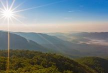 Our favorite Asheville hikes / Asheville: our favorite destination for a road trip from Atlanta. From the Blue Ridge Parkway to DuPont State Forest and Linville Gorge, these are our favorite hikes in Western North Carolina.
