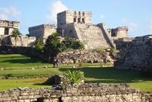 Tulum / Imagina adentrarte en una antigua ciudad maya, habitada únicamente por majestuosas estructuras y escuchar a la distancia el constante golpeo de las olas…