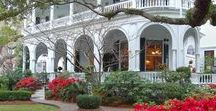 Hotels, Inns ... with a History / Hotels and Inns with a history to tell
