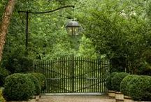 Garden Gates / As a landscape designer, I'm always looking for simple ideas to add to a garden which can provide a focal point. A garden gate can do that. This collection of ideas offer some great inspiration for my work. Maybe they can inspire you to. #gardengates
