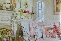 ⊹⊱ Charming Rooms ⊰⊹