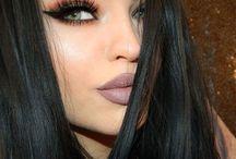 Darkhaired beauties