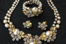 Vintage / Retro Jewelry / Vintage style and original jewelry pieces 1900 - 1950s