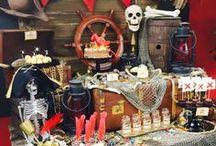 Pirate Party / Idées et inspirations autour d'un anniversaire sur les pirates et l'île au trésor. Oyé oyé moussaillons, prêts à l'abordage !