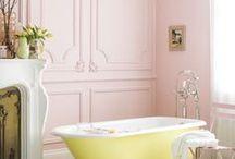 bathroom / bathroom decor | inspiration | interior design | bathtub | shower | white | color | plants | tile