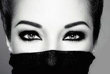Uno sguardo irresistibile / con il make-up occhi Collistar